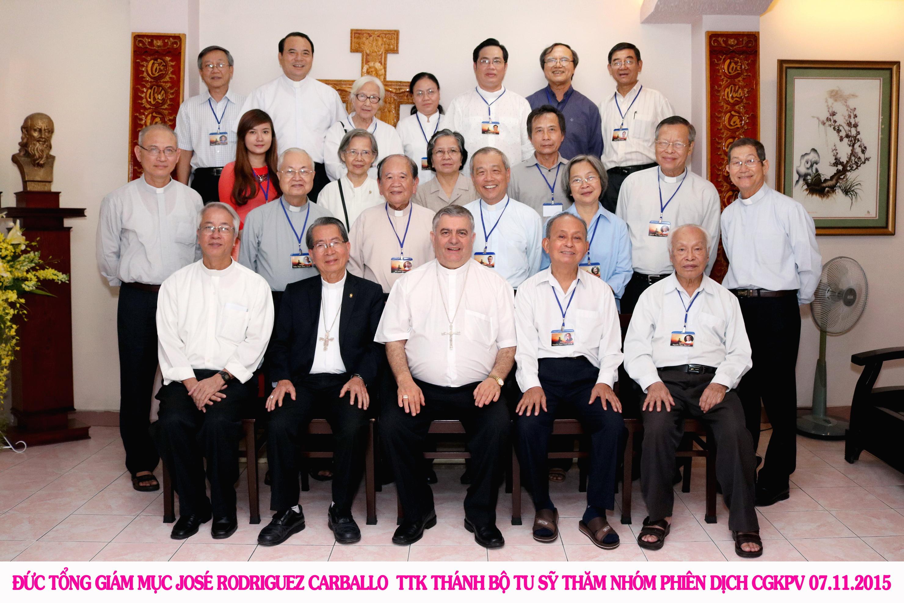 Nhóm Phiên Dịch Các Giờ Kinh Phụng Vụ